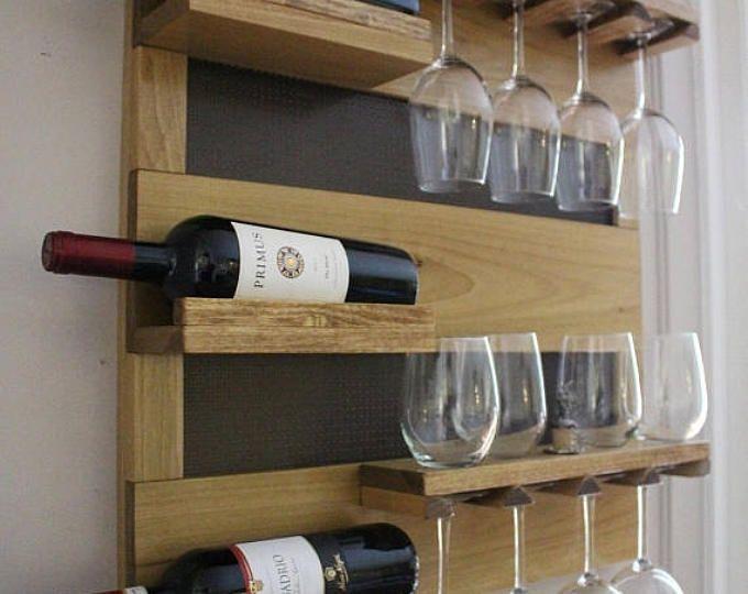 Su Vendita Georgous Golden Rovere Tinto Parete Portabottiglie Con Mensole E Maglia Decorativa Vino Liquore Ripiano Cabinet