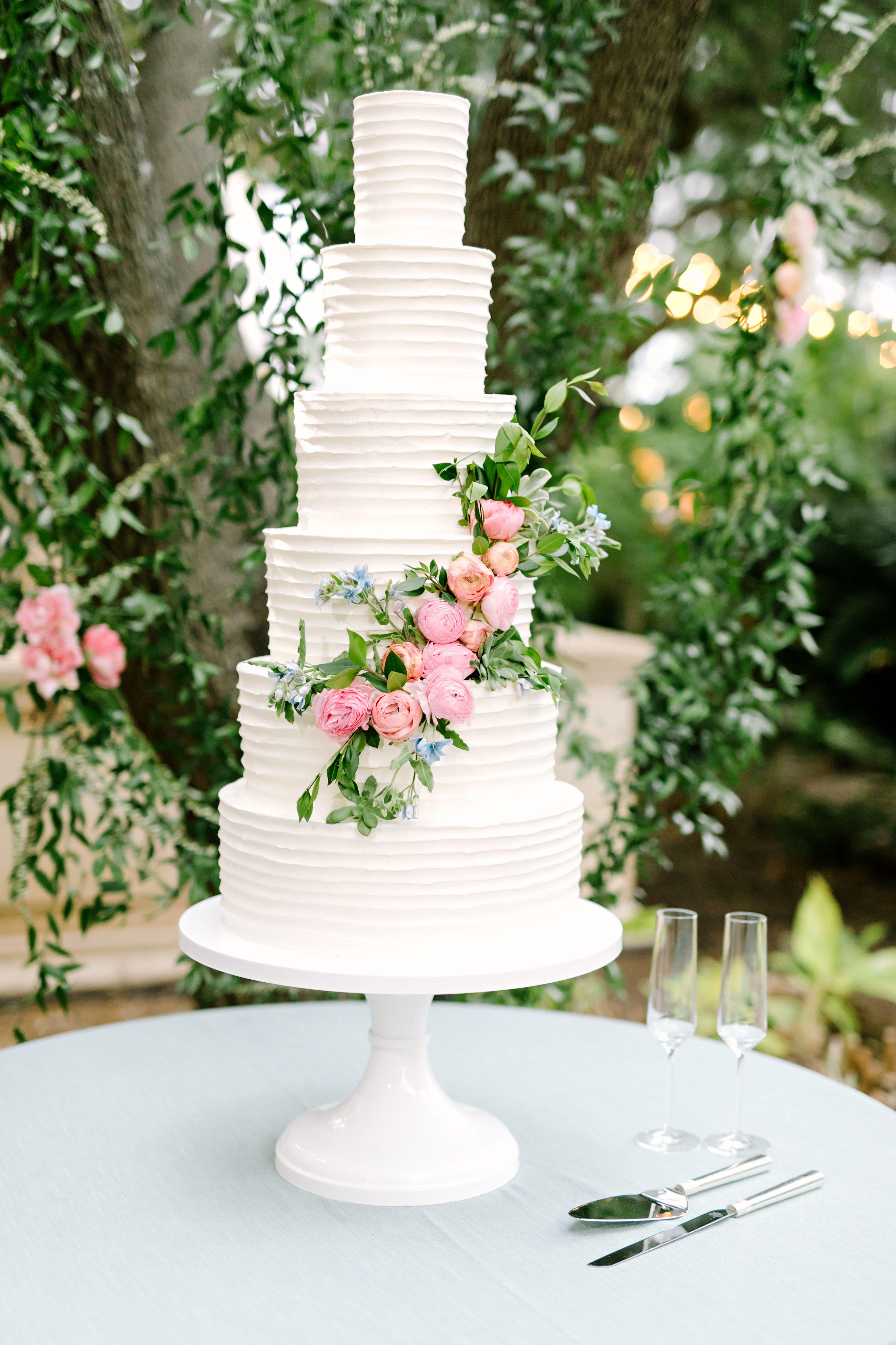 Carley Will S Wedding Wedding Cake Decorations Wedding Cakes