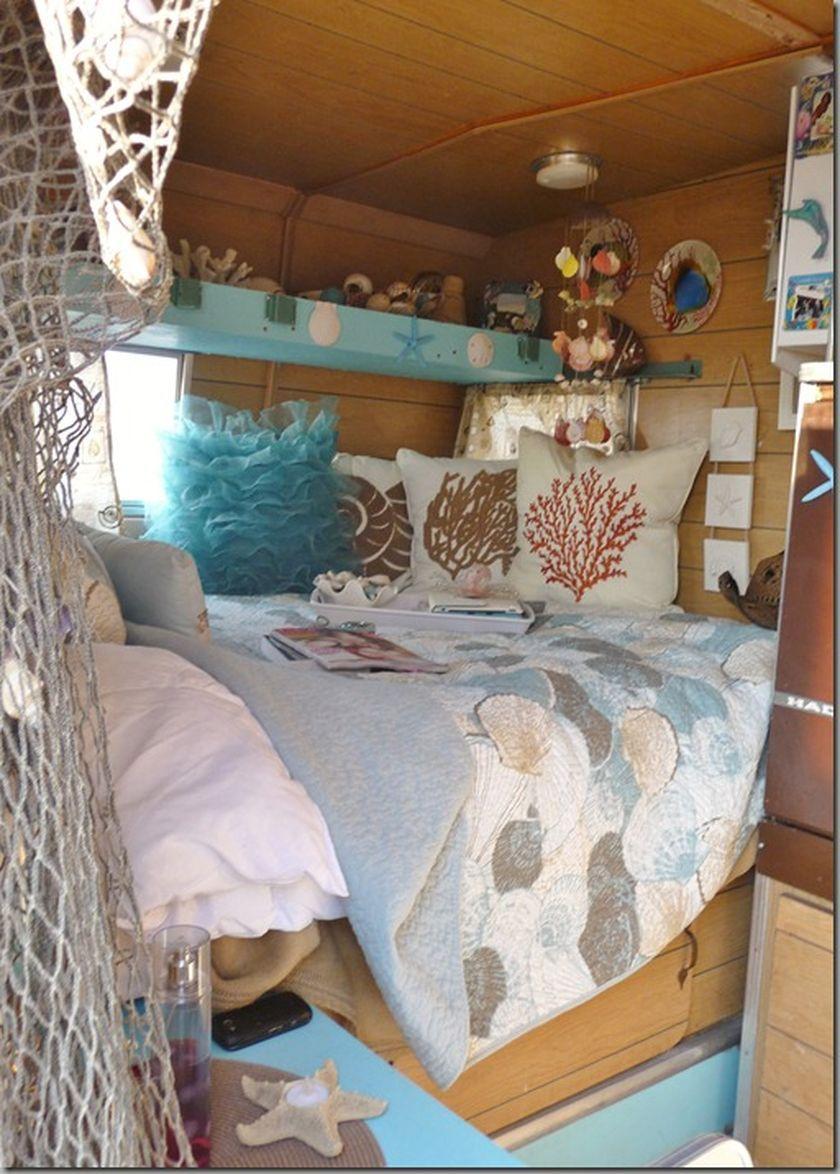 Fabulous RV Camper Vintage Bedroom Interior Design Ideas Worth To See