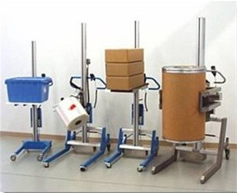 Height adjustable and portable stands for delivery totes.