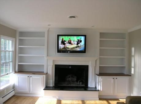 I like this combination of open shelves and cabinet doors ...