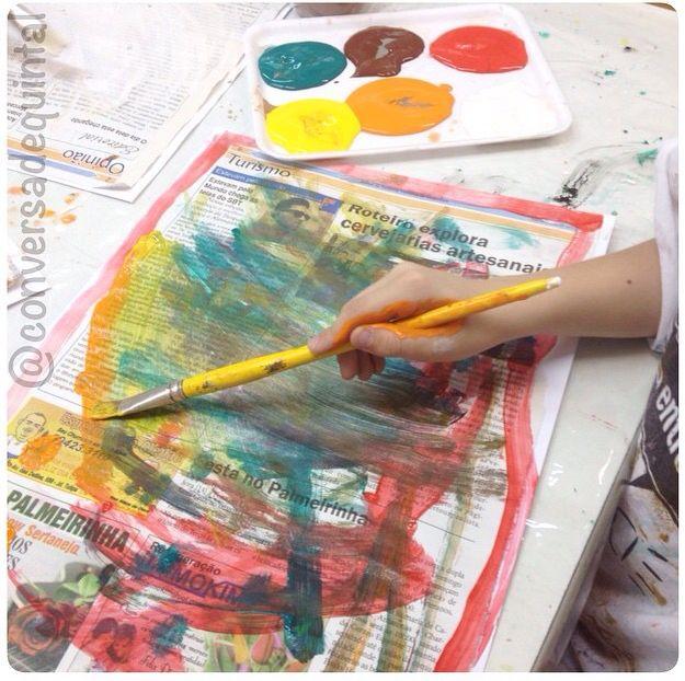 Extremamente Experimentando outras texturas: pintura com guache no jornal  DI96