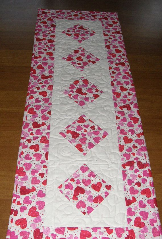 Valentine S Day Quilted Table Runner Table Runner Quilt Valentines