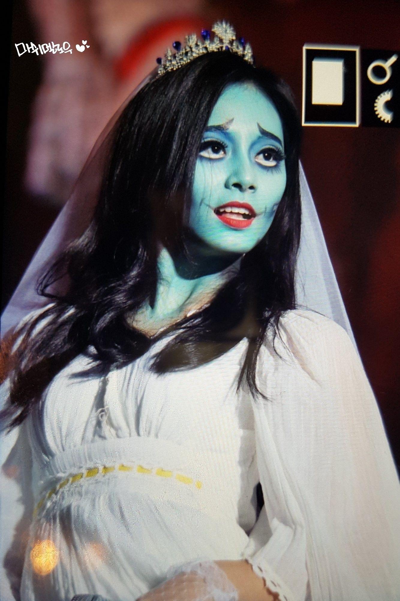 tzuyuTwice Disney costume makeup, Corpse bride costume