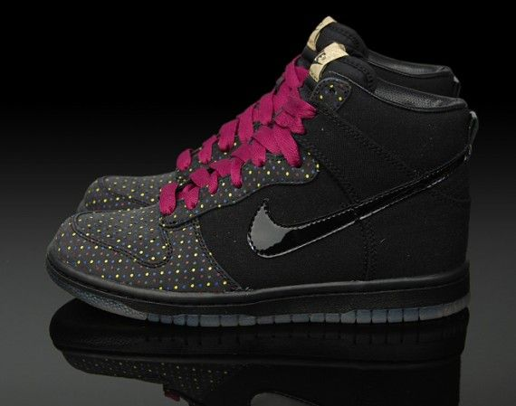 Fashion · Womens Nike Dunk High ...