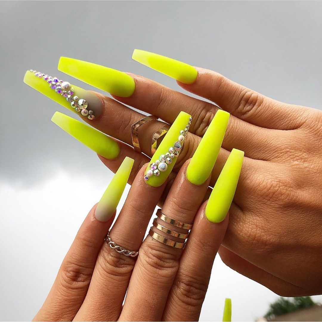 Amazing Neon Yellow Nails Coffin Shaped Long Adorned With Rhinestones Neon Yellow Nails Yellow Nails Halloween Nails