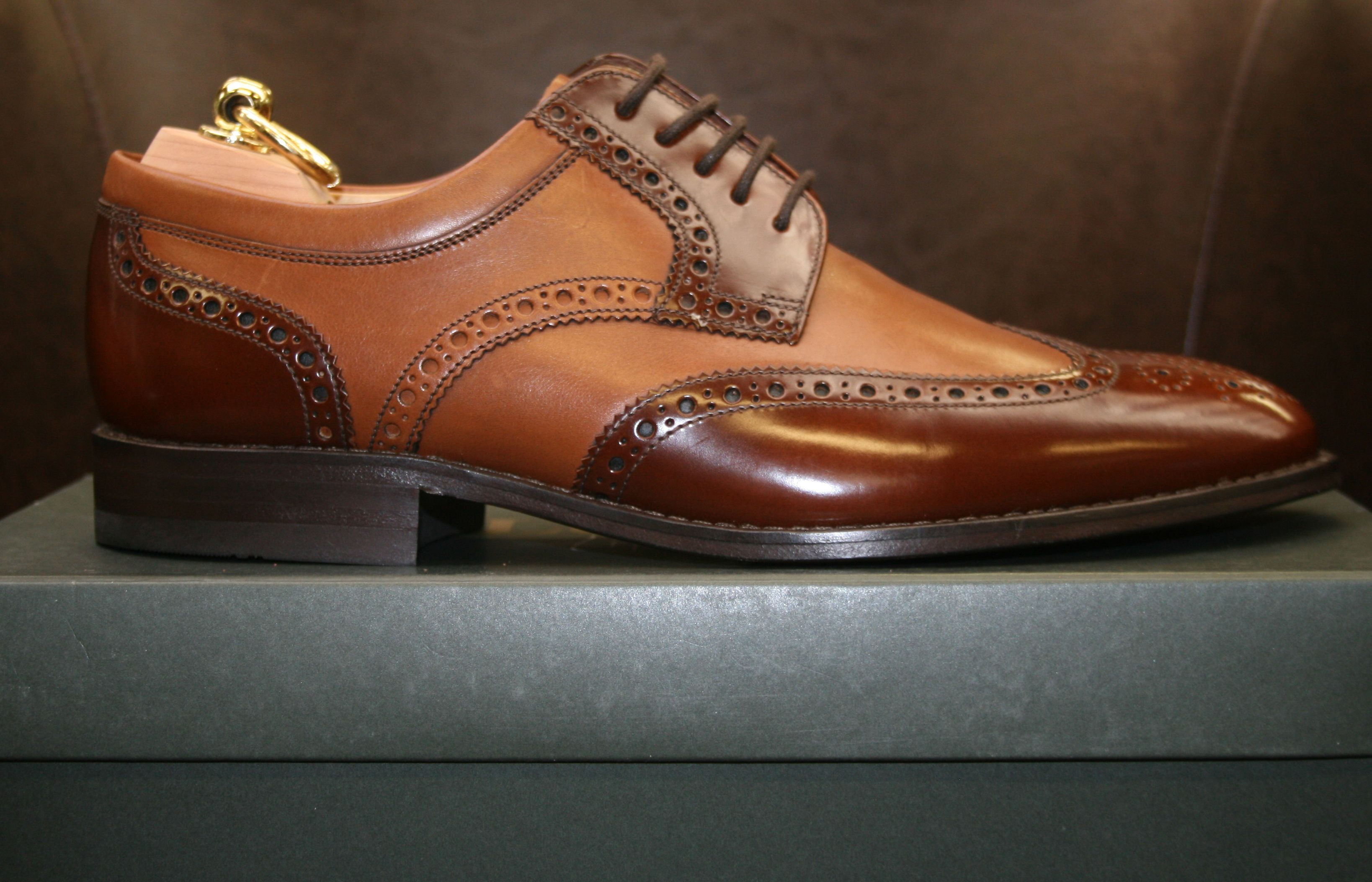 b5826a7c85fa7 Loake Pangbourne comes in the generous H fitting, suitable for the  gentleman with a wide
