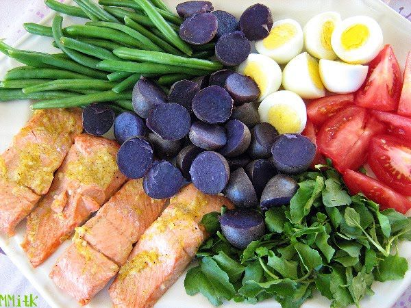Meet Me in the Kitchen: Roasted Salmon Nicoise Platter