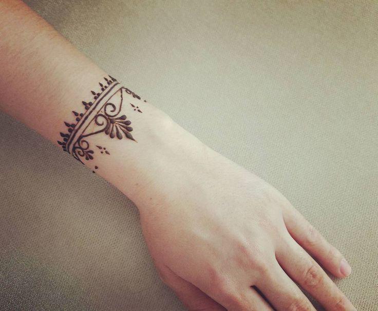 "Cute 3 Beğenme, 1 Yorum - Instagram da Tahmina (@ henna_by_tahmina): ""Bileziiii... - frida"