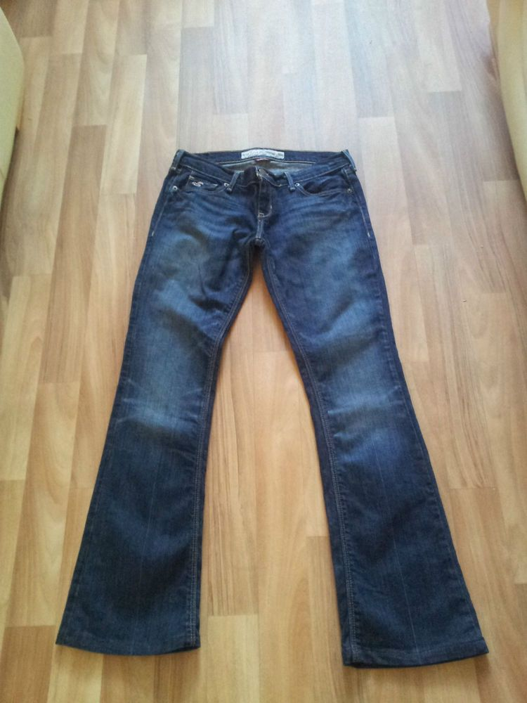 Hollister Flare Jeans Size 10 29L Women s Ladies Stretch.  3f0428f55
