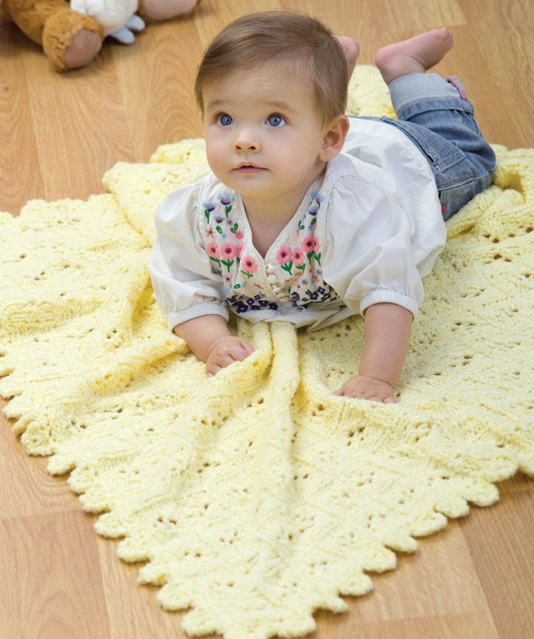 Baby-Decke mit Ajourmuster #stricken #PlushBaby #RedHeart | Baby ...