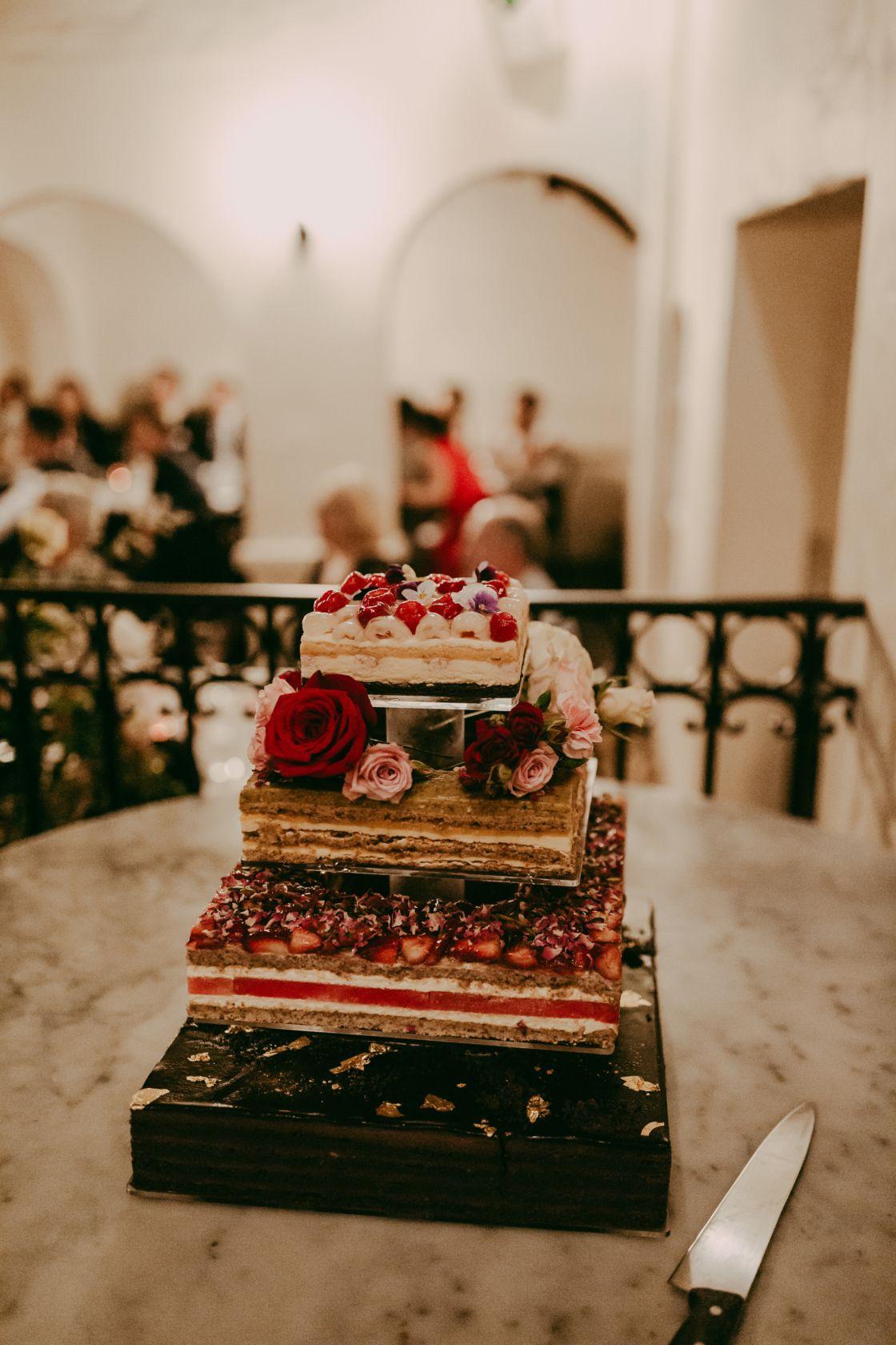 Amy Mike S Sydney Wedding Hello May Wedding Wedding Desserts