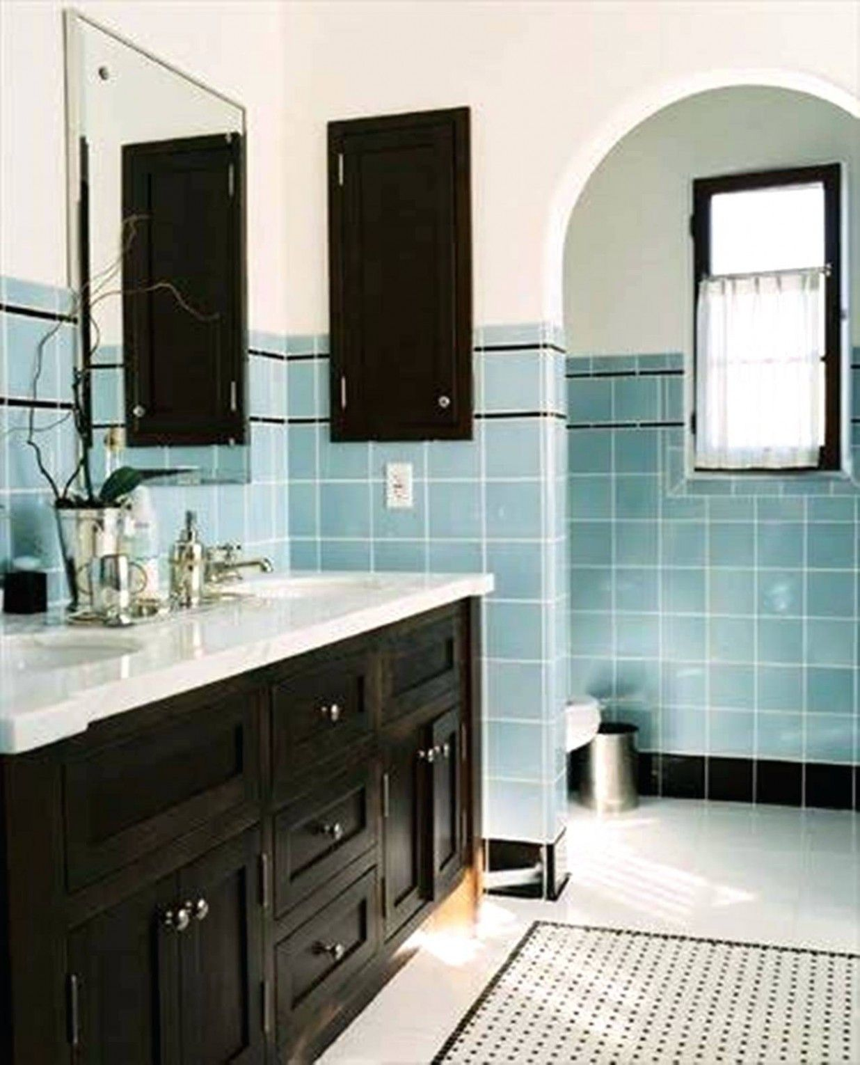 Vintage Blue Tile Bathroom Decorating Ideas In 2020 Blue Bathroom Tile Vintage Bathroom Tile Retro Bathrooms