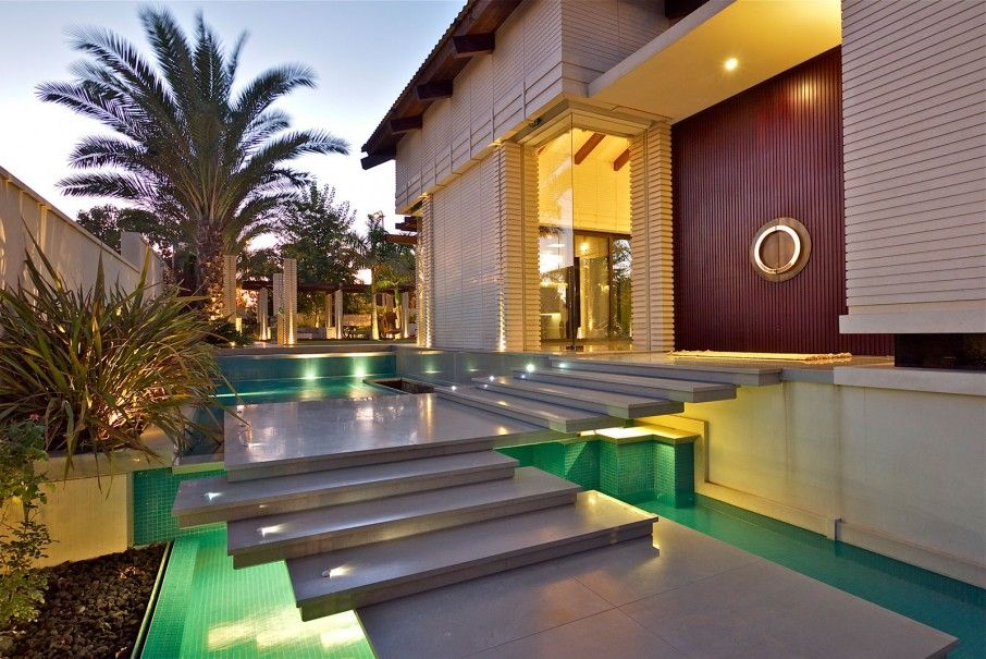 Villa entrance landscape with long steps - Google Search Inspiring