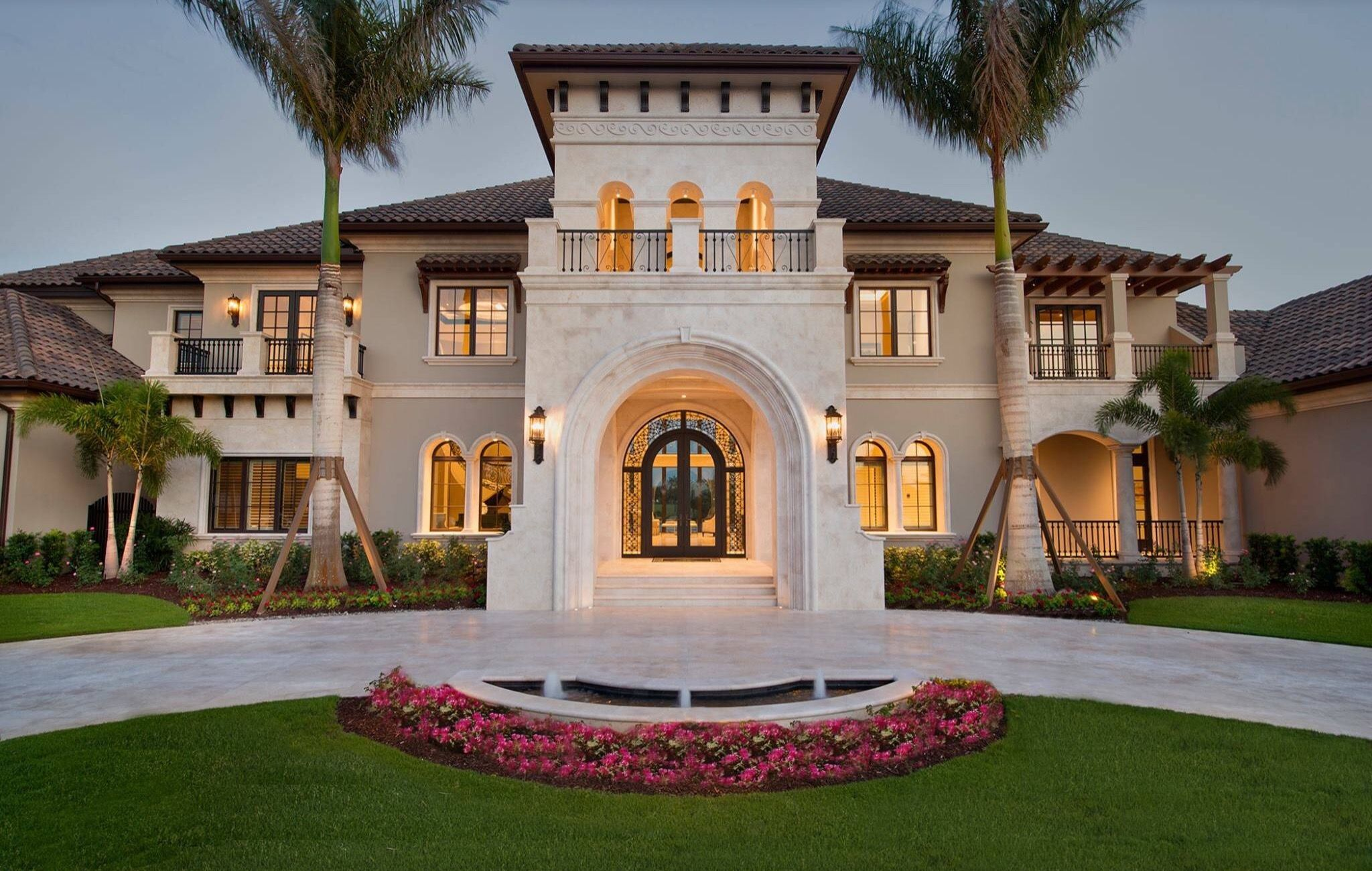 See pictures of a sqft luxury Tuscan