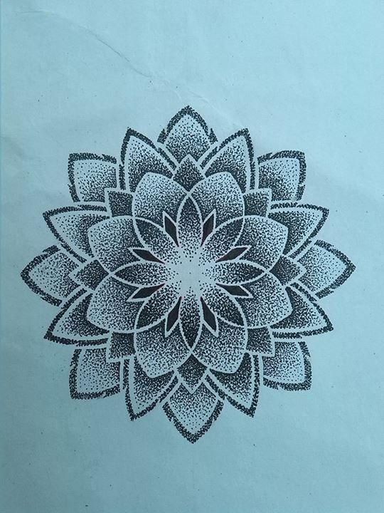 mandala flower tattoo tattoos pinterest lebensblume tattoo ideen und vorlagen. Black Bedroom Furniture Sets. Home Design Ideas