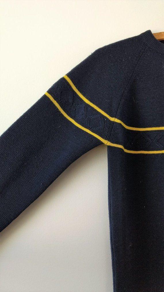 c2658d6dc2546 1970s blue ski sweater