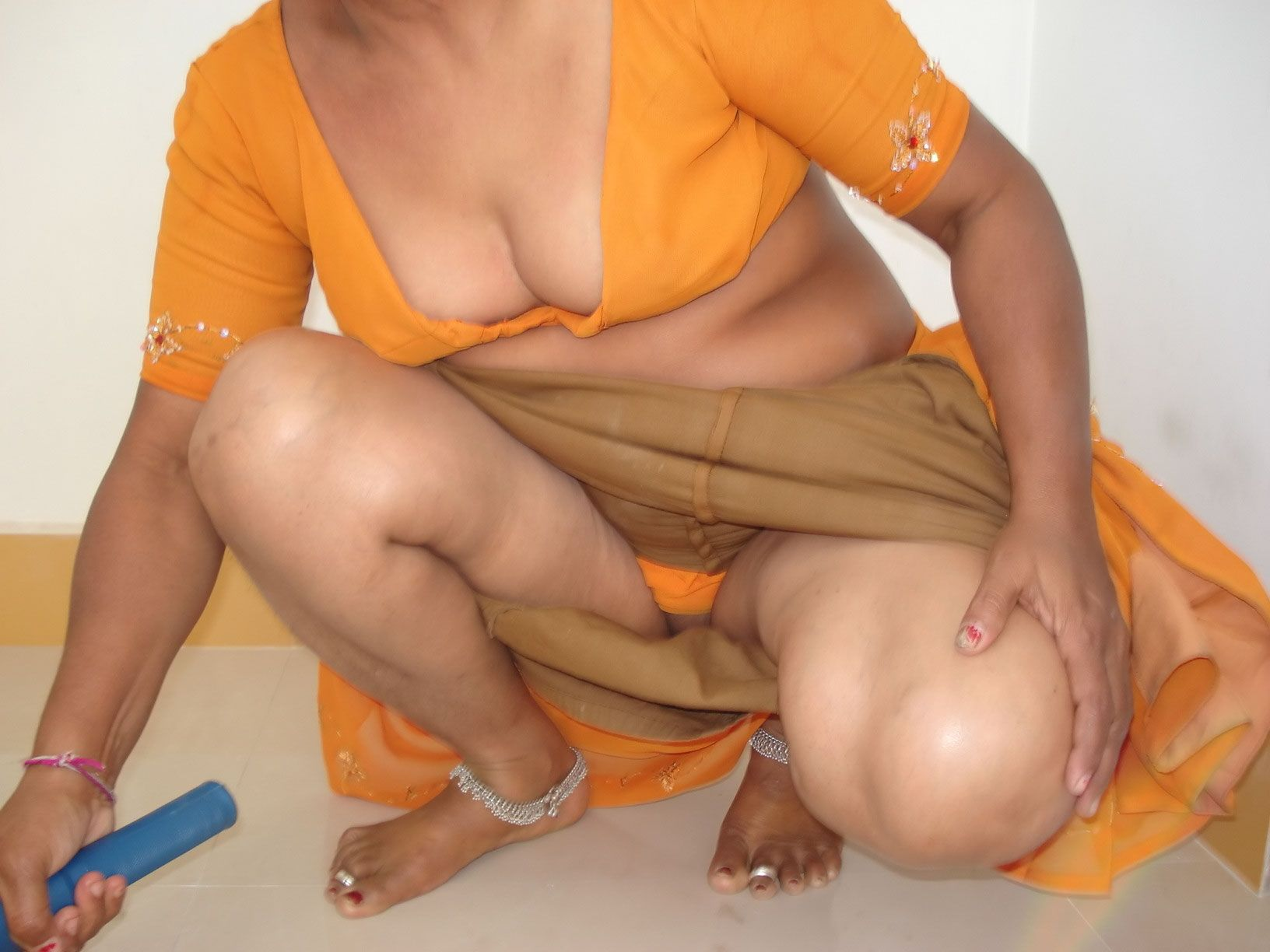 nude-indian-female-servants