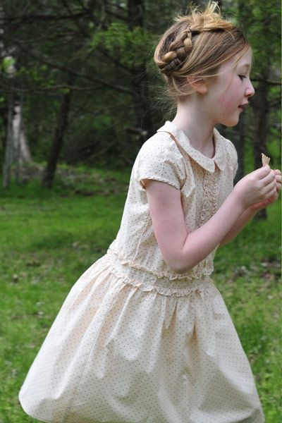 Green old fashioned dresses girls