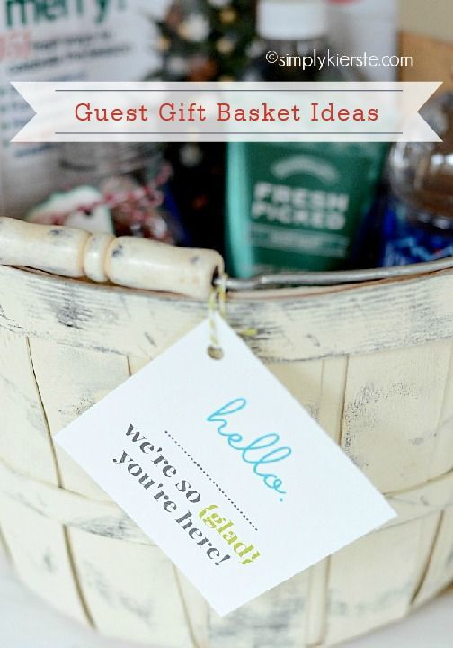 Pin this for later! Welcome your holiday guests this season with a guest gift basket filled with goodies to enjoy! This is such a simple and thoughtful way to make your visitors feel at home.