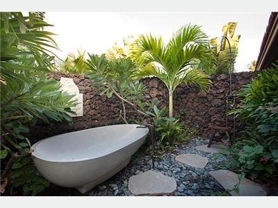 Outdoor Bathtub? Yes Please! Amazing Vacation Rental Home In Hawaii