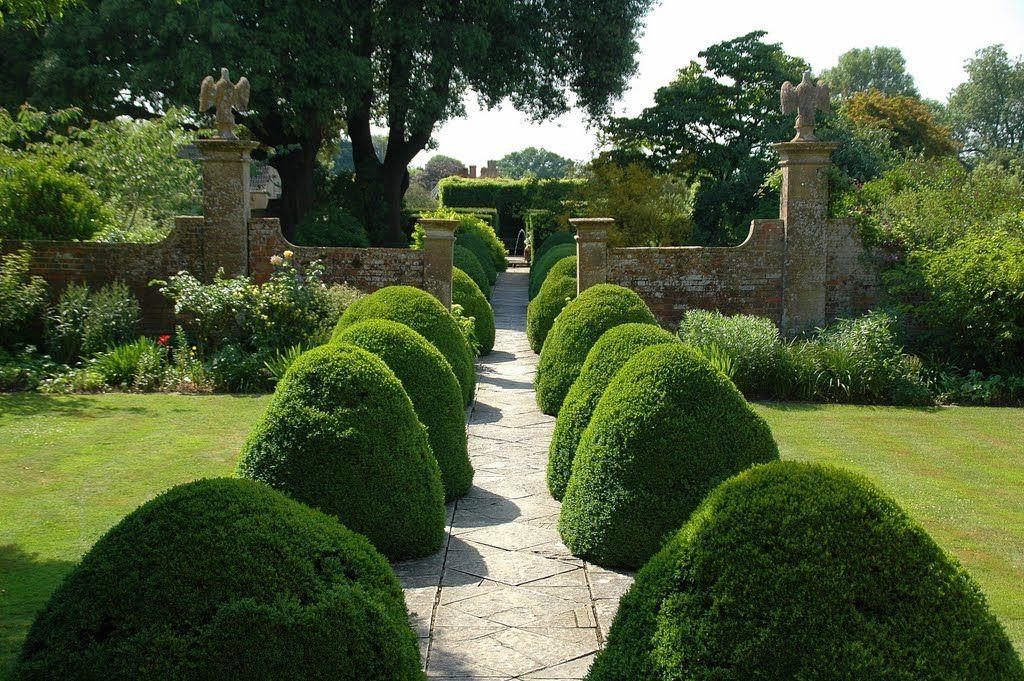 Tintinhull, Somerset, originally designed by Phyllis Reiss ...
