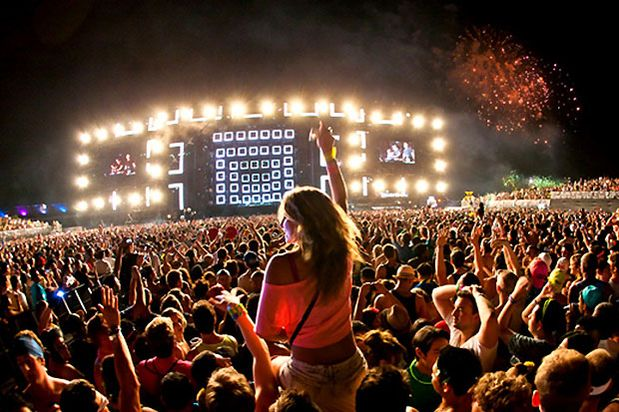 Without Fans There Would Not Be A Music Industry Fans Make Or Break Artists And According To This Article On Hypebot Edm Artists Are Benefited Wit Fotografia
