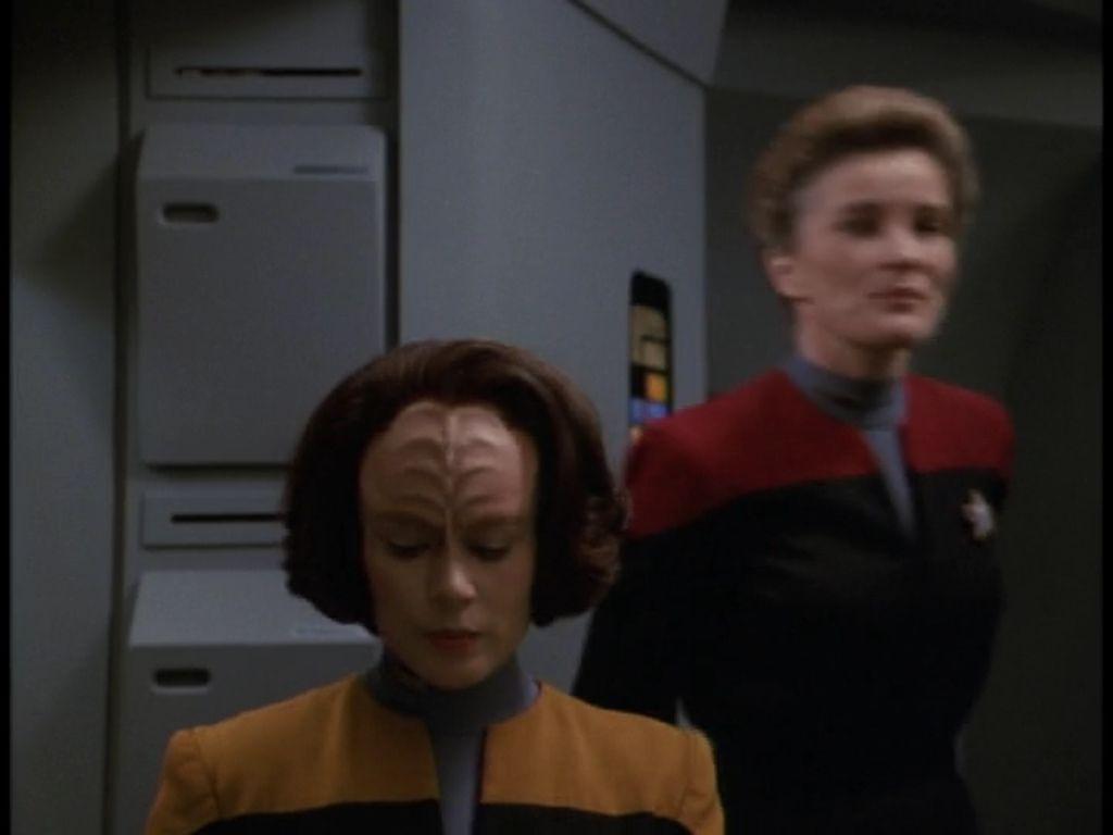 "Star Trek: Voyager 1 X 6 ""Eye of the Needle """