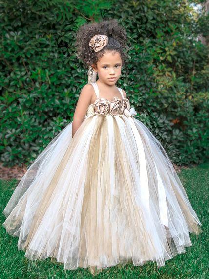 e042bec2cc Vestido para Niña de las Flores con Tul en dorado