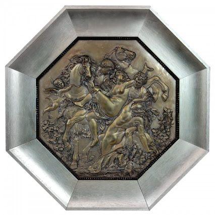 Rapto das Sabinas. Placa octogonal em bronze, espessurado a prata. França. Séc. XIX. 37 x 37 cm. http://goo.gl/Dc6DGv