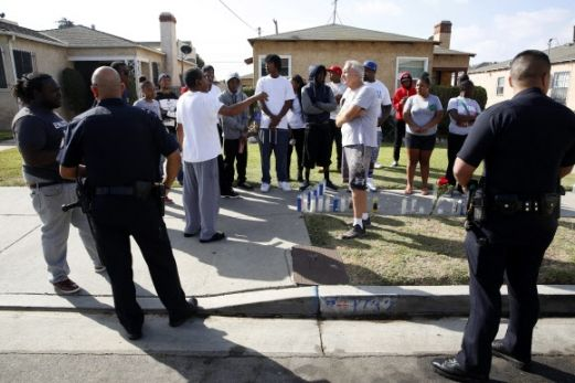 사흘 만에 또 美 LA 경찰 총격에 18세 흑인 피살 - 서울신문