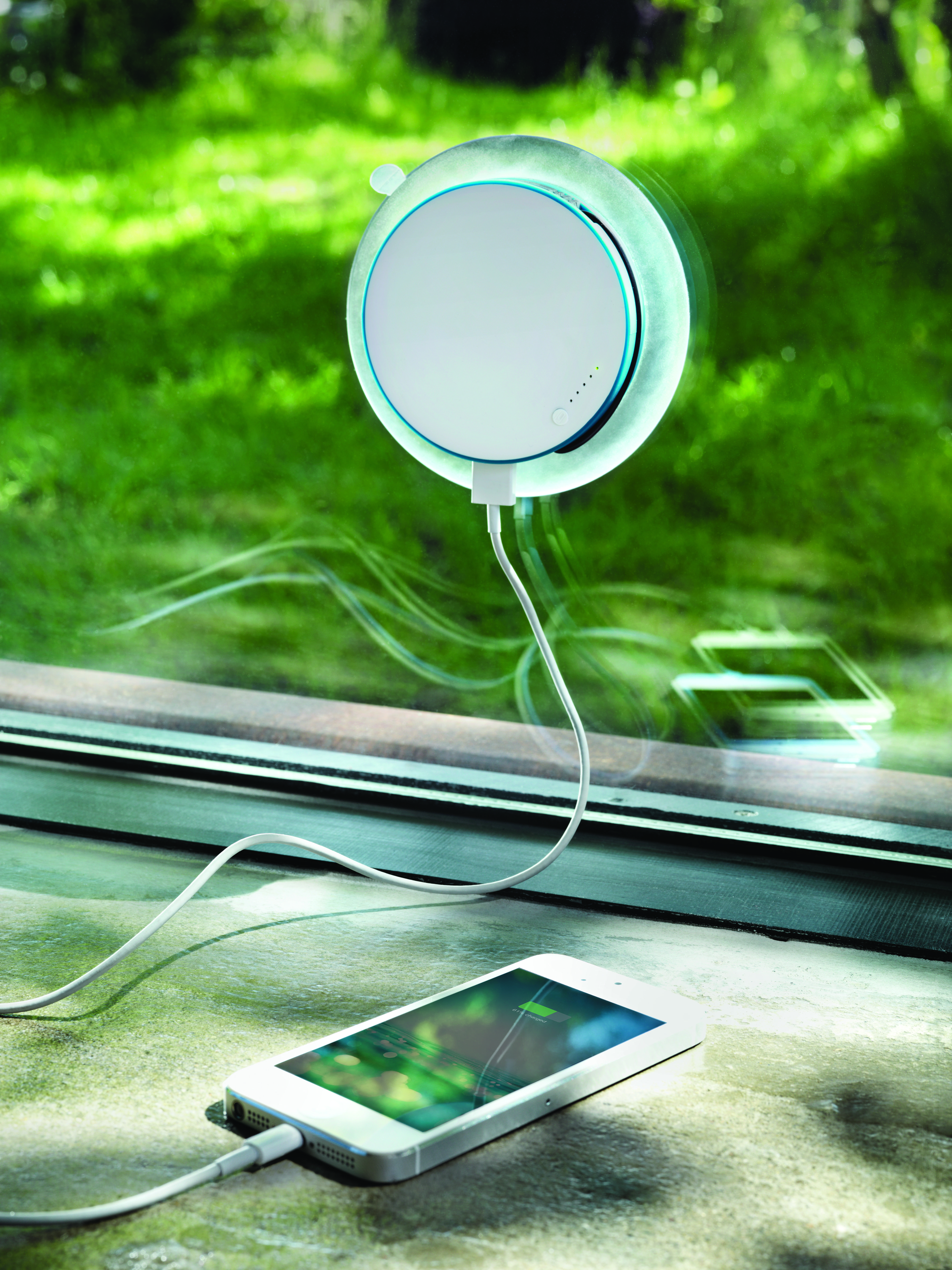 xd design port window solar charger charge your phone without using