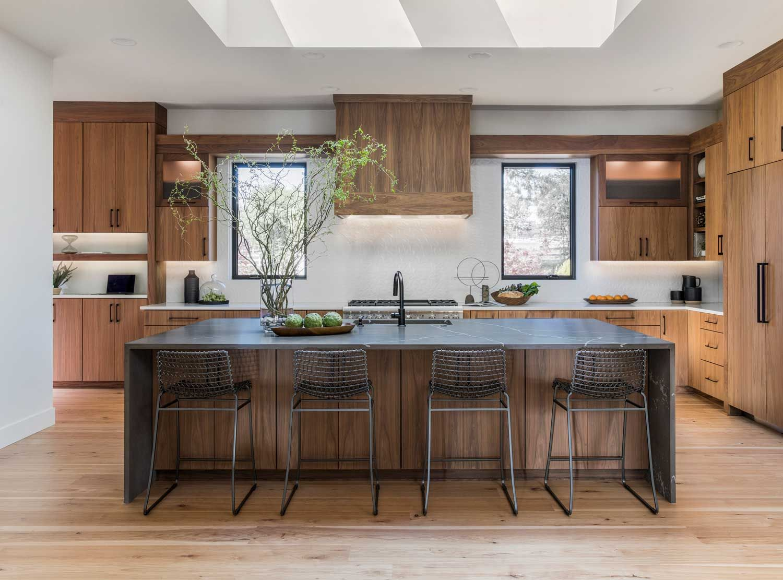 Modern Walnut Kitchen In 2020 Modern Walnut Kitchen Walnut Kitchen Modern Kitchen