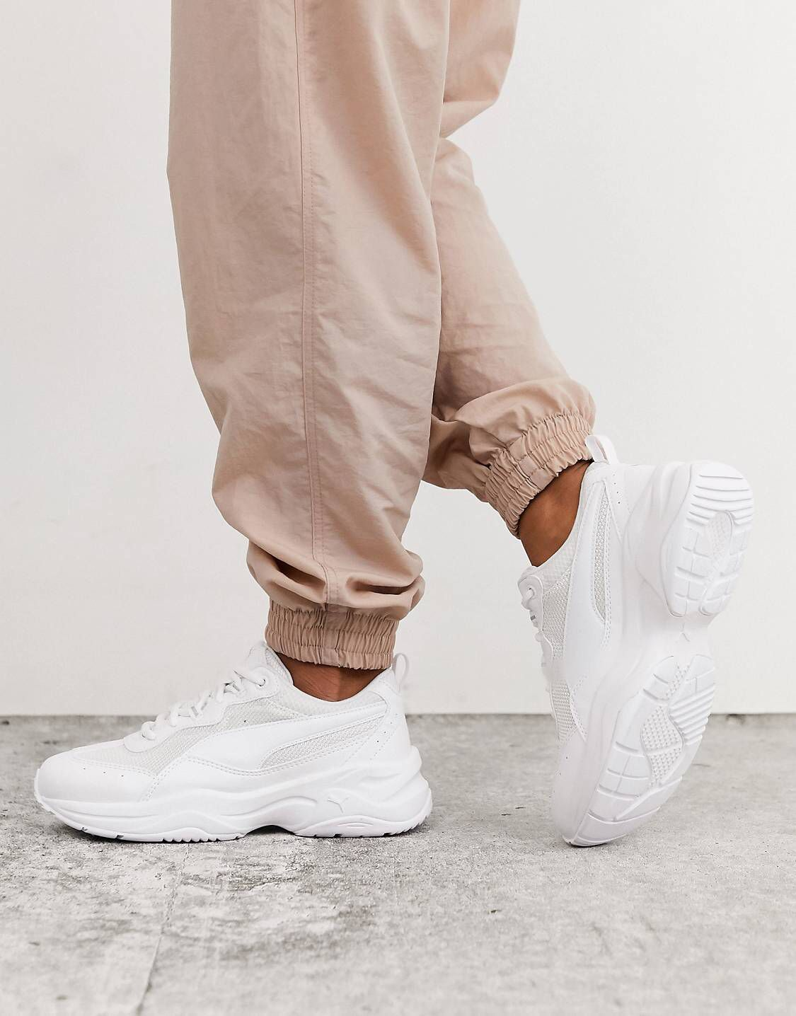 Pin by Aniya on Fashion❤️ in 2020 | White sneakers outfit ...