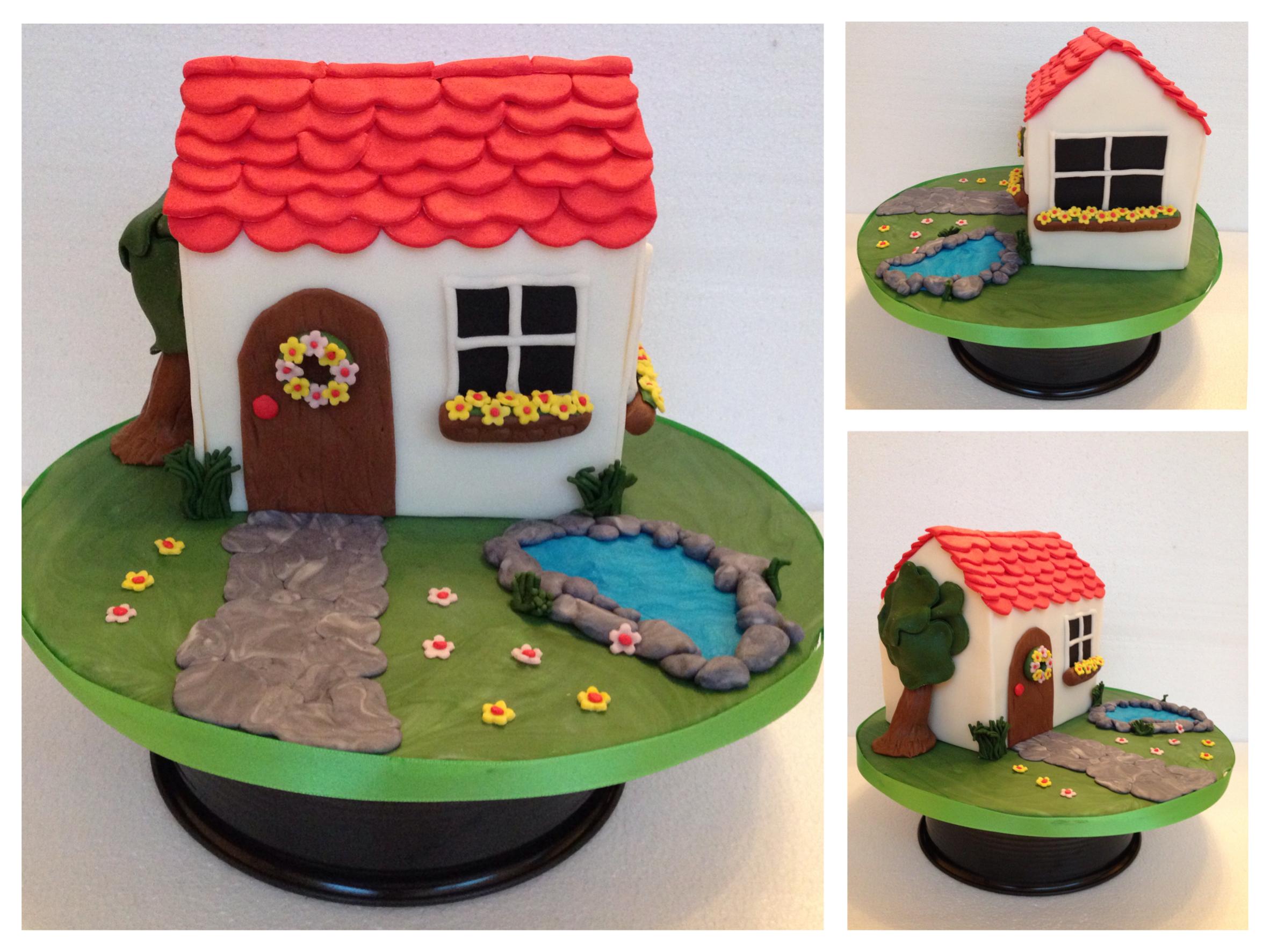 3d Kuchen: Haus, Balkonkästen, Teich Aus Fondant