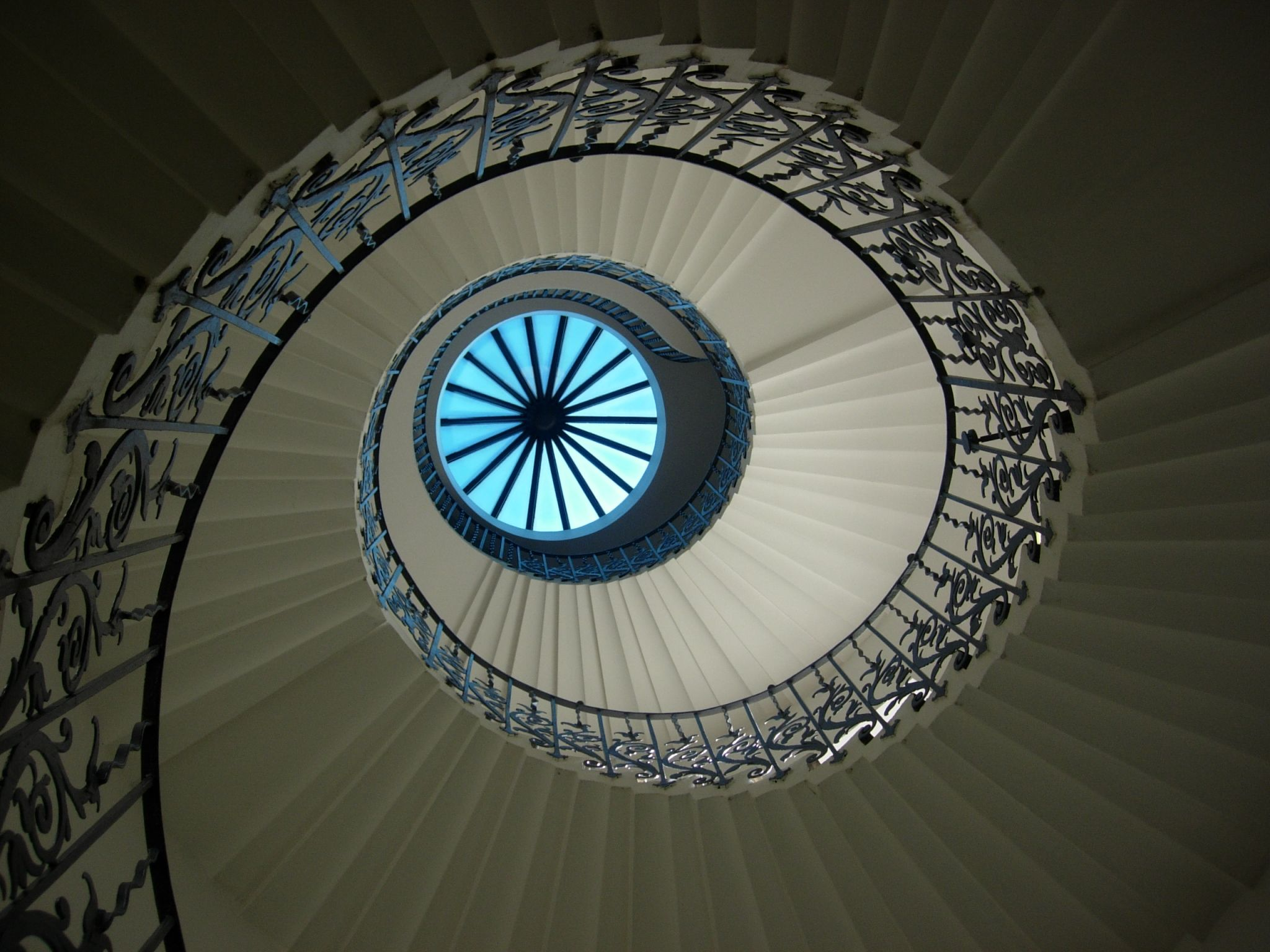 Best The World S 5 Most Famous Staircases Beautiful Stairs 400 x 300