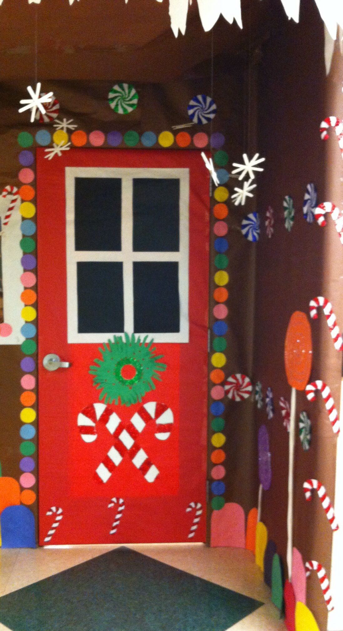 Ees winter door contest winter door ideas pinterest for Special xmas decorations