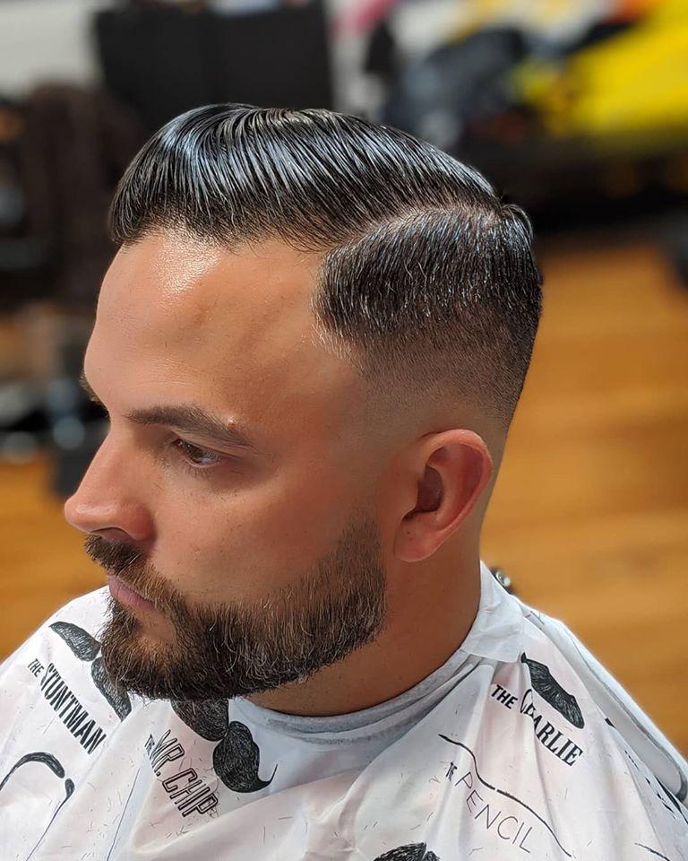 Men S Beard Grooming Maintenance Professional Look For Business Men Chicago Mobile Barber In 2020 Mens Beard Grooming Beard Grooming Mens Hairstyles