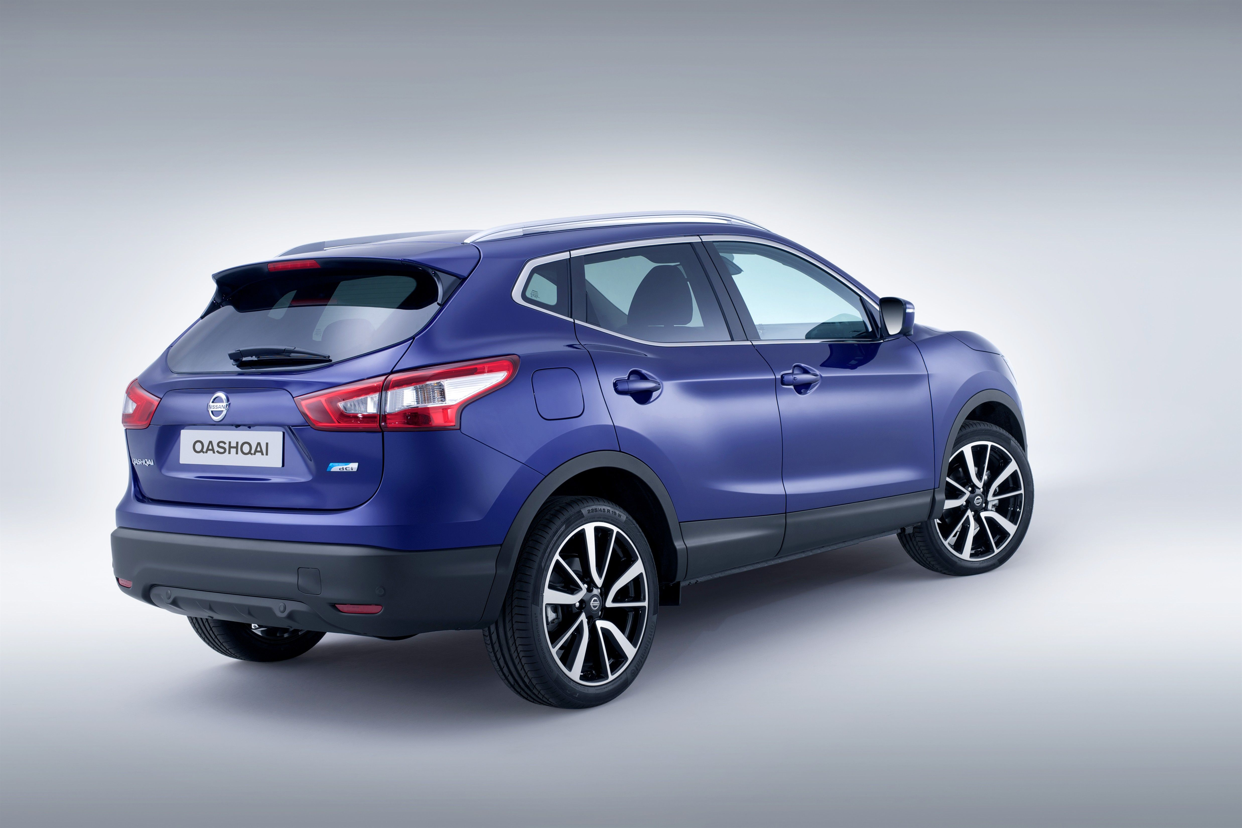 Last model nissan qashqai crossover comes of the car market in 2014 with new better performance technically and increased road safety