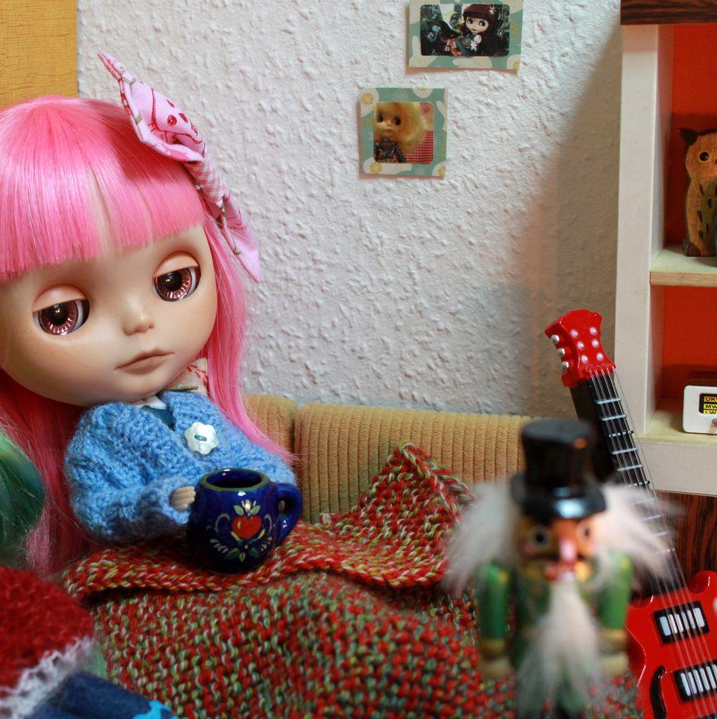 Nele is a bit ill... by blythe-berlin