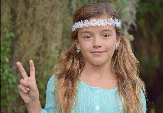 Small daisy flower crown / baby flower crown / flower headband / infant flower crown / daisy flower crown