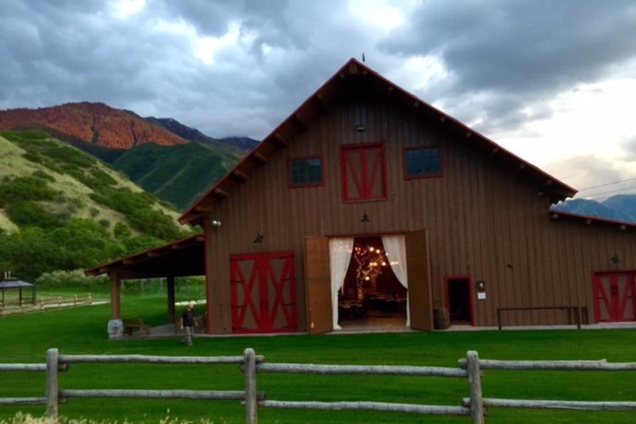 Wedding Venues In Utah Barn