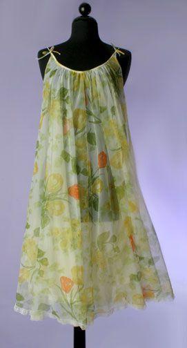 1960s Lucie Ann Sweeping Peignoir Set (gown)