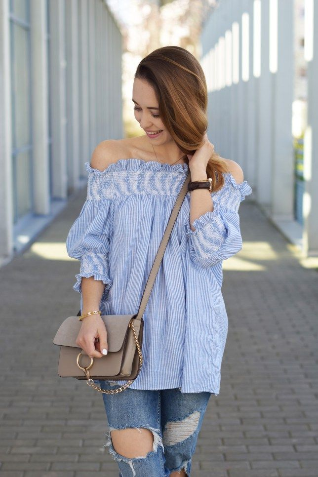 ba0751aaf1d8 All White Look: Sommer Outfit mit Leinenbluse und Denim Shorts ...