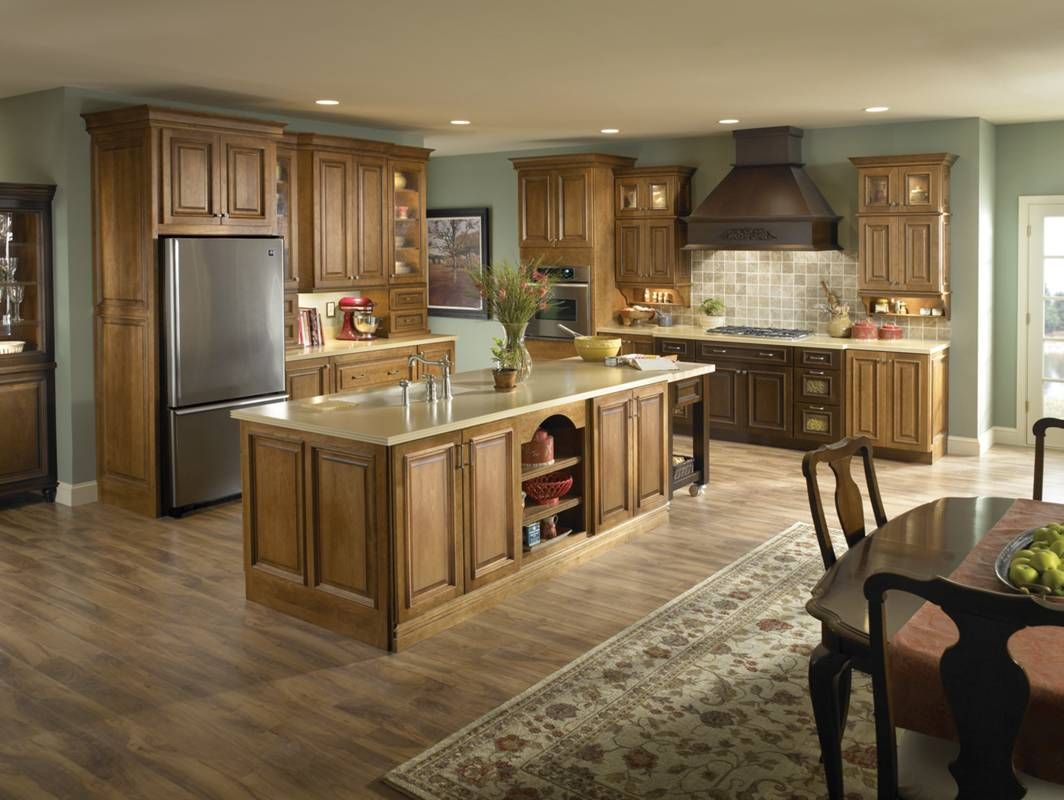 Light Colored Wood Kitchen Cabinets Kitchen Ideas In 2020 Wooden Kitchen Cabinets Maple Kitchen Cabinets Best Kitchen Cabinets