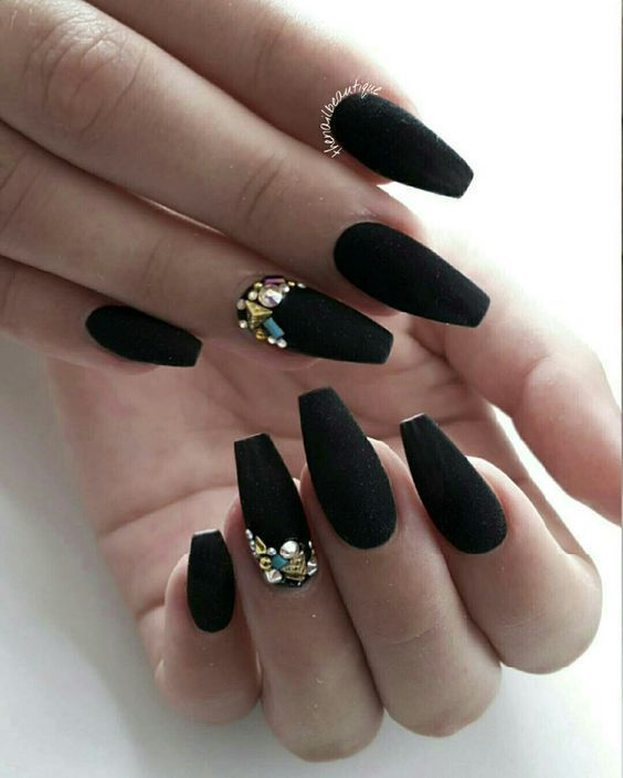 10 Gorgeous Black Nail Designs With Diamonds For 2019 Check It Out Diamond Nails Diamond Nail Designs Matte Nails Design