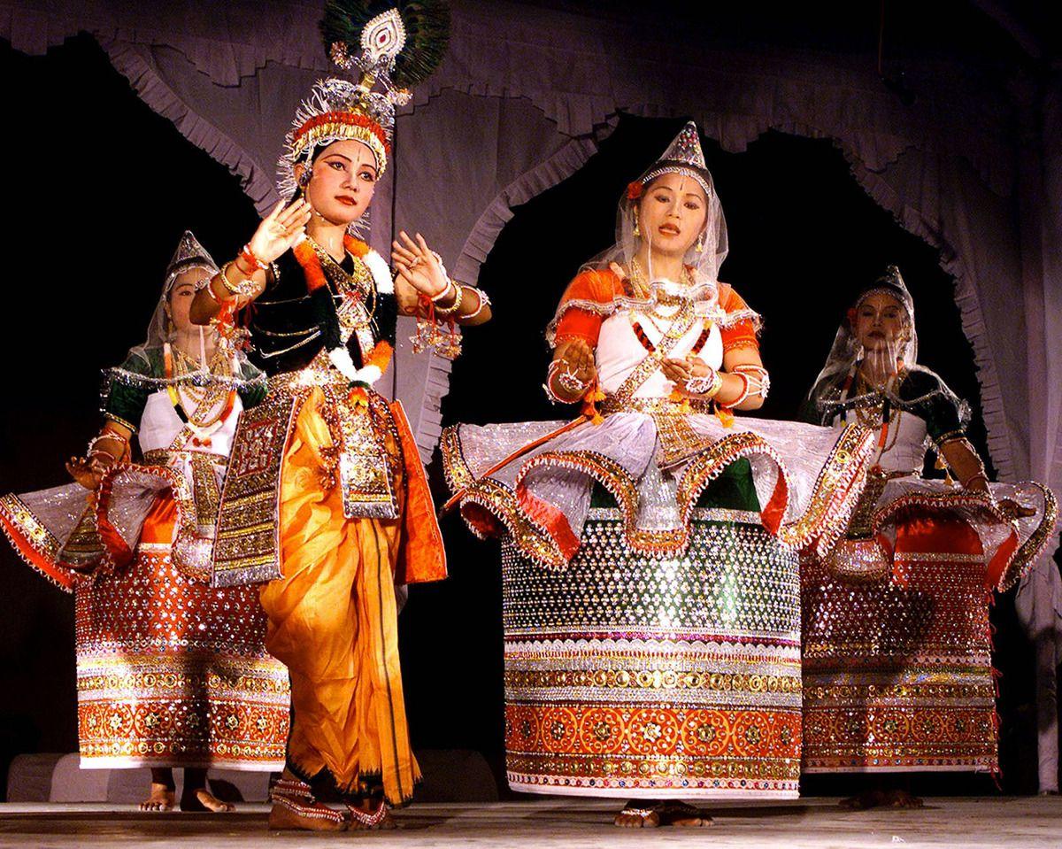 Manipuri Dance Indian dance, Dance of india, Indian