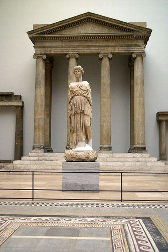 Berlin Pergamonmuseum Proanos Des Zeus Sosipolis Tempels Aus Magnesia Proanos Of The Zeus Sosipolis Temple Of Magnesia Ancient Greek Art Ancient Greek Architecture Ancient Architecture