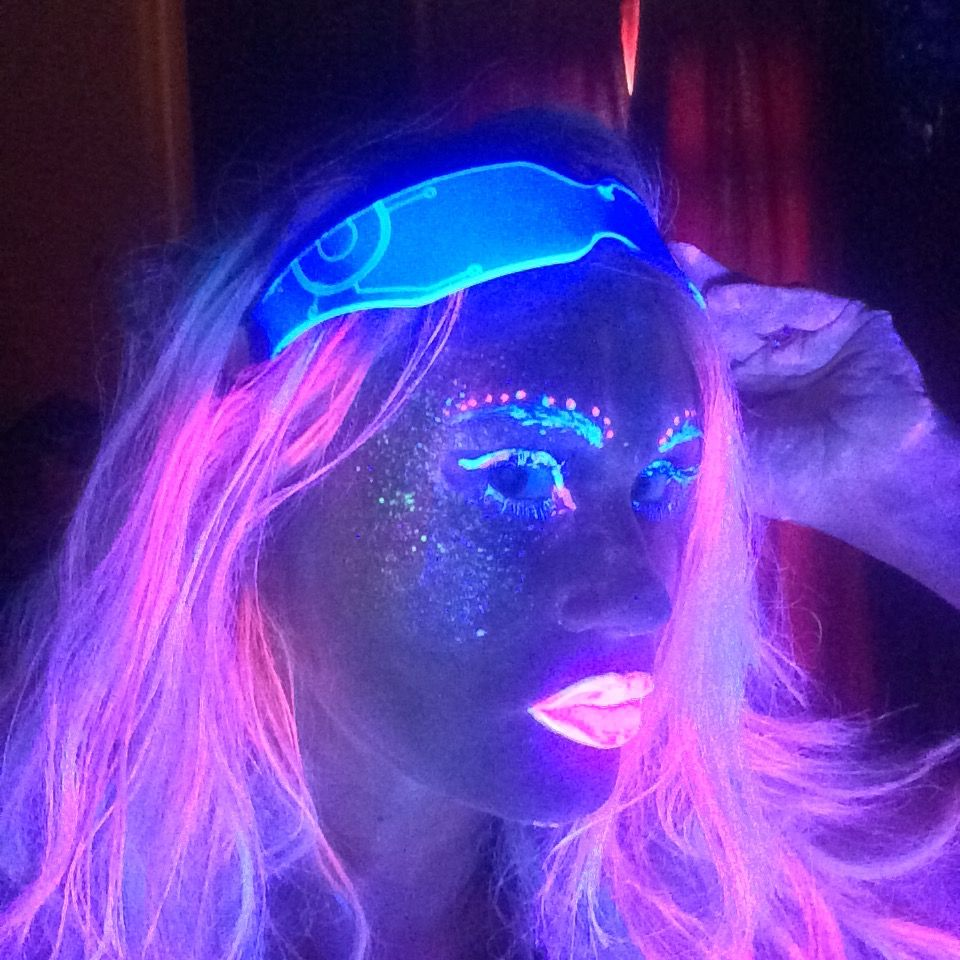 Pin by ♔Queeniee♔ Northeast on GLOW MAKE UP Cybergoth