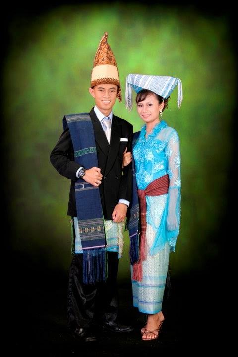 Nama Pakaian Adat Tradisional 33 Provinsi Indonesia Media Onlinemu Gambar Pakaian Pakaian Tari